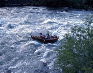 Drift_boat_aka_Mckenzie_River_dory